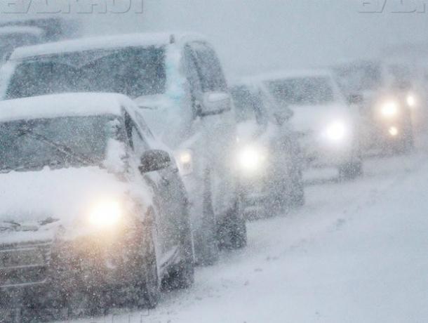 Установленные из-за бурного снегопада ограничения для пассажирского транспорта сняты на трассах Ростовской области