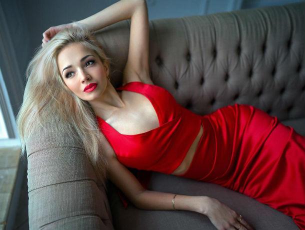 Финалистка конкурса «Блокнота» Александра Канаева пробует силы в «Мисс Блокнот Ростов-2019»