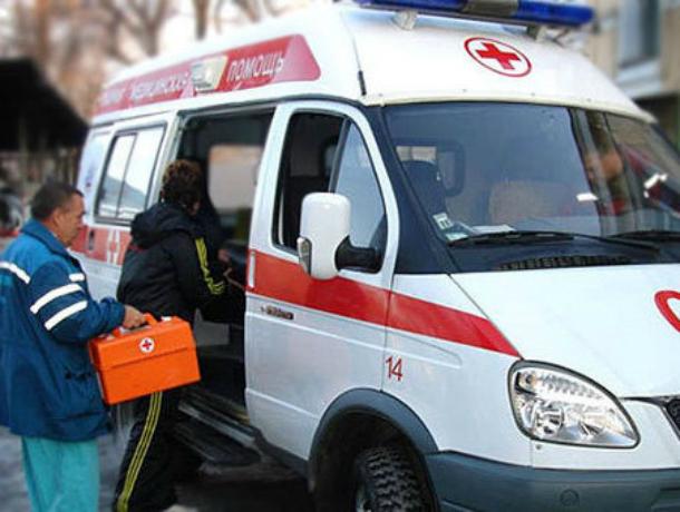 ВРостове при столкновении автобуса илегковушки пострадали два человека
