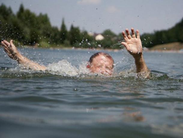 14-летний ребенок потонул после опасного прыжка наРостовском море