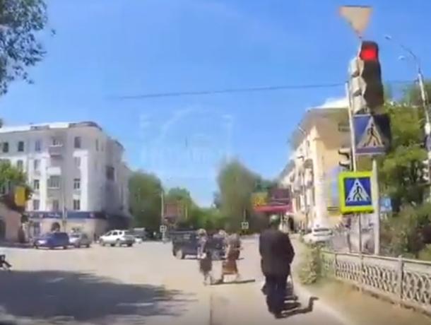 Пересевший из-за подорожания бензина «на тачку» ростовчанин рассмешил автолюбителей на видео
