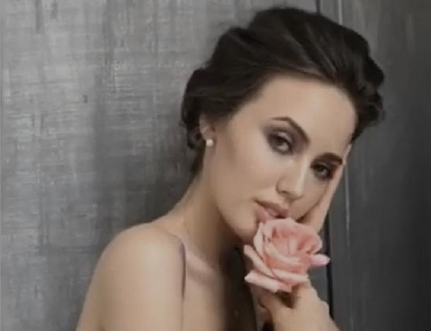 Эротическое видео с розой показала ростовская любовница экс-мужа Ольги Бузовой