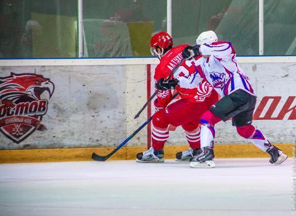 Кулачная драка на хоккейном матче «Ростов» - «Алтай» попала на видео