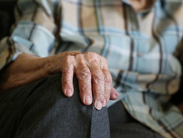 В Ростове на Чкаловском неизвестный сбил 86-летнюю пенсионерку