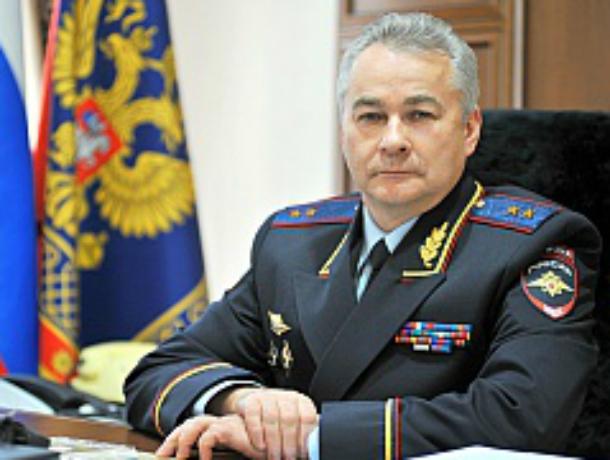 Руководителя МВД Ростовской области обвинили вполучении взятки вполтора млн