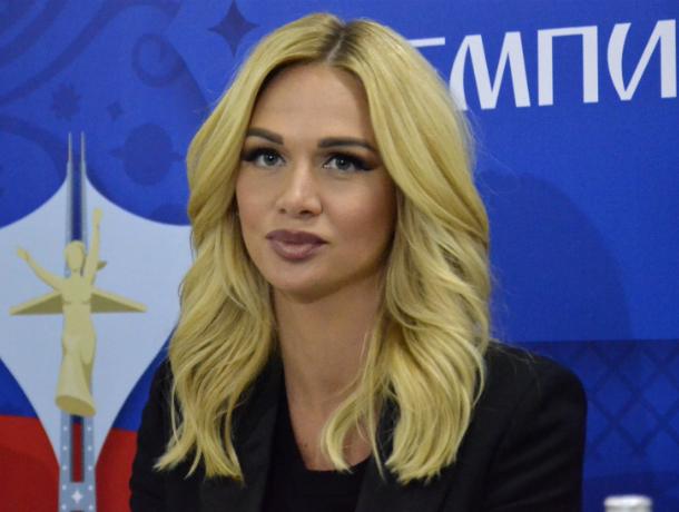 Красавица-посол Лопырева обратилась к бразильской футбольной звезде Неймару в Ростове