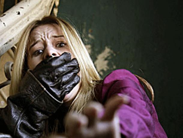 Вцентре Ростова мужчина ограбил хозяйку квартиры, прикидываясь возможным жильцом