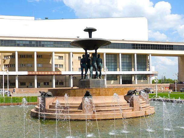 Тогда и сейчас: фонтан в Театральном сквере