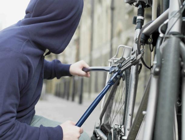 ВРостове-на-Дону задержали мужчину, похищавшего велосипеды имобильные телефоны