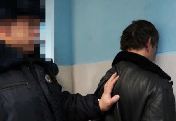 ВРостове нетрезвый гражданин Ингушетии ударил стража порядка вдежурной части милиции