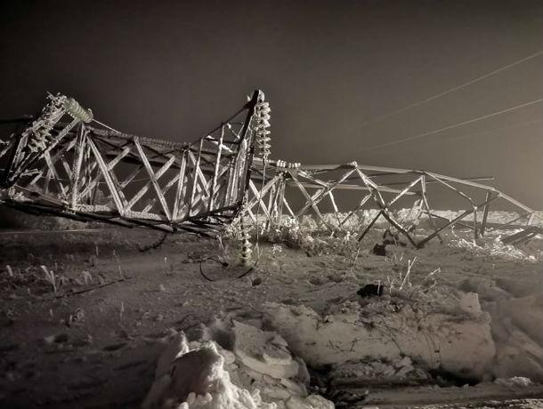 Собиратели металла обрушили ЛЭП в Ростовской области