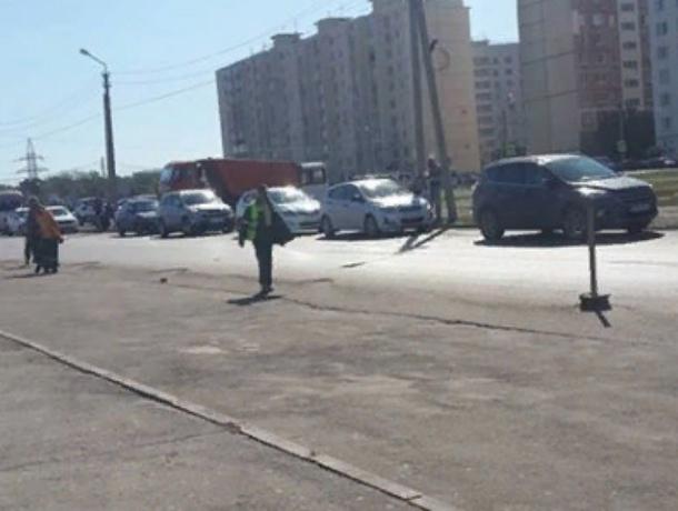 Обнаглевших рэкетиров-парковщиков разогнали с рынка «Темерник» в Ростове