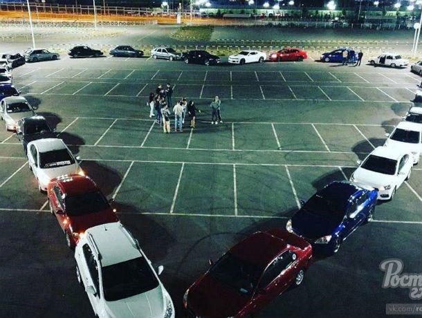 В Ростове романтик выложил сердце из 30 машин, чтобы сделать предложение девушке