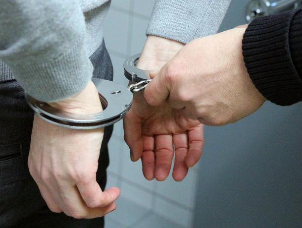 Наглого грабителя-рецидивиста, дважды за вечер обокравшего мужчину, задержали в Ростовской области