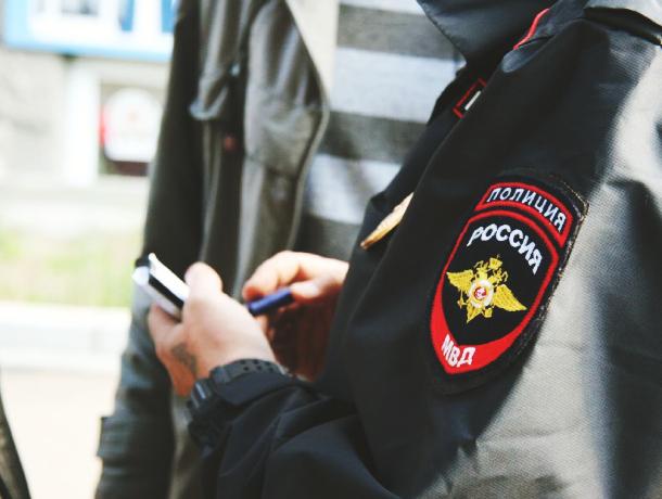 Лихач на иномарке сбил полицейского, который пытался его задержать в Ростове