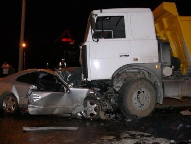 ВРостовской области Лифан столкнулся с«Камазом»: шофёр легкового автомобиля умер