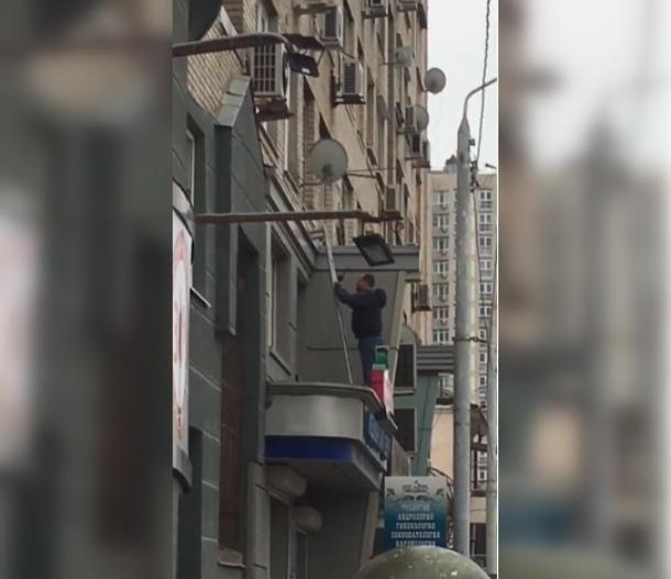 В Ростове подполковник Следкома захватил в заложники супругу