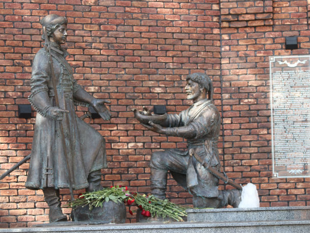 В новом памятнике Петру I в Ростове скептики усмотрели исторические ляпы