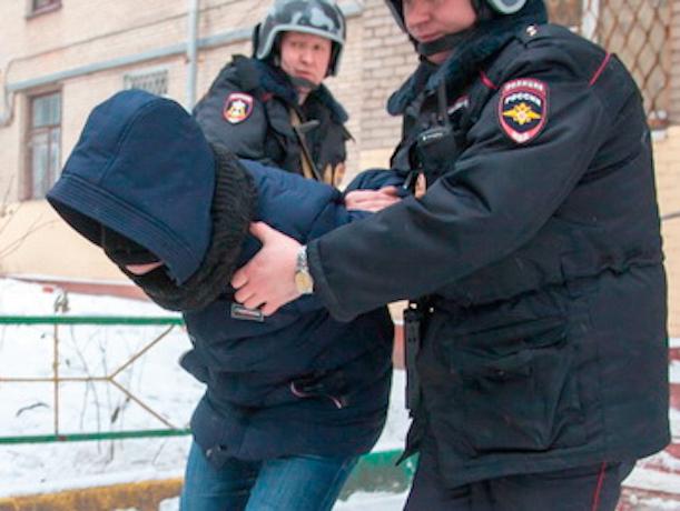 Кладмена с лошадиными дозами солей и спайса задержали ростовские полицейские