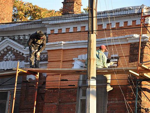 Новые миллионы выделил Голубев на ремонт крыш и фасадов в Ростове