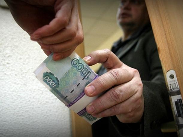 Преподаватель-взяточник насобирал со студентов четверть миллиона в ростовском институте Седова