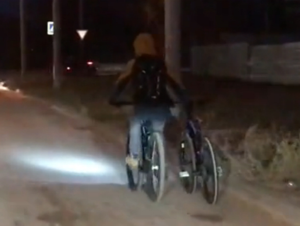 Дико смешной «угон» велосипеда в Ростове сняли на видео
