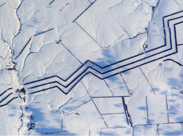 Необычные  линии отыскали  французские астронавты в русской  степи