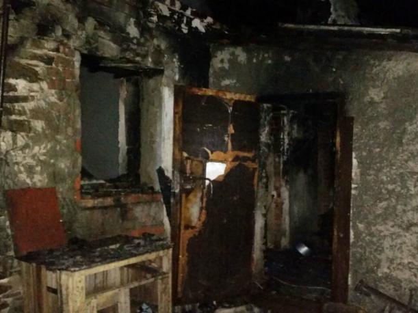 ВШахтах впожаре в личном доме погибли два человека