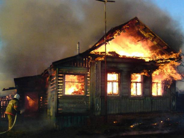 Два человека пострадали во время ужасного пожара в Ростовской области