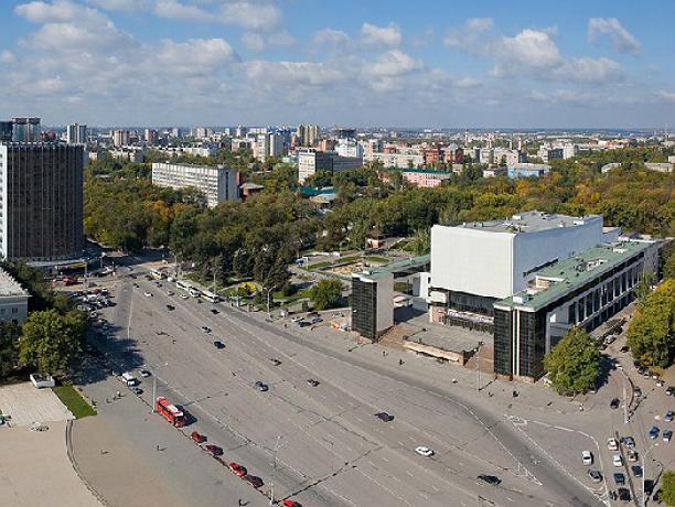 Театральную площадь Ростова откроют для движения на следующей неделе