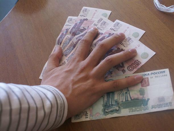 Инспекторов ДПС задержали под Ростовом за взятку от дальнобойщика