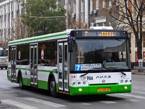 Утреннее испытание ожиданием устроил для пассажиров алчный водитель ростовского автобуса