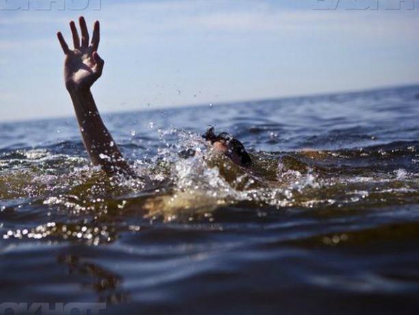 Мертвецки пьяный «морячок» соревновался с кораблями в умении плавать в Ростове
