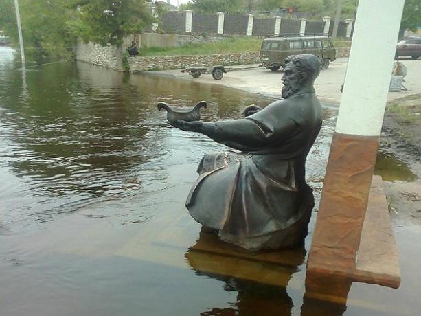 Коварная вода донских рек подобралась к жилым домам под Ростовом