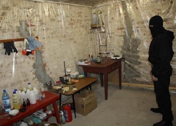 «Завод» по производству наркотиков обнаружили полицейские в Ростове