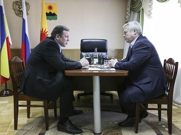 Василий Голубев остался недоволен плохими дорогами в Зверево
