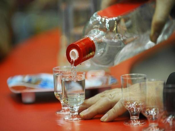 Травил покупателей метиловым спиртом предприимчивый житель Ростовской области