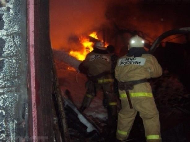 Вспыхнувший в Пороховой балке жуткий пожар унес жизни двоих человек под Ростовом