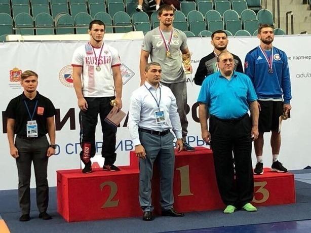 Ростовский борец стал победителем чемпионата России