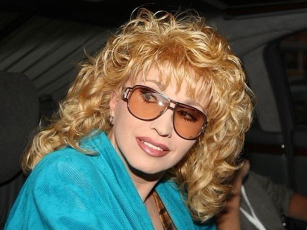 Ростовчанка Ирина Аллегрова отбирает у московской вдовы 10 миллионов рублей