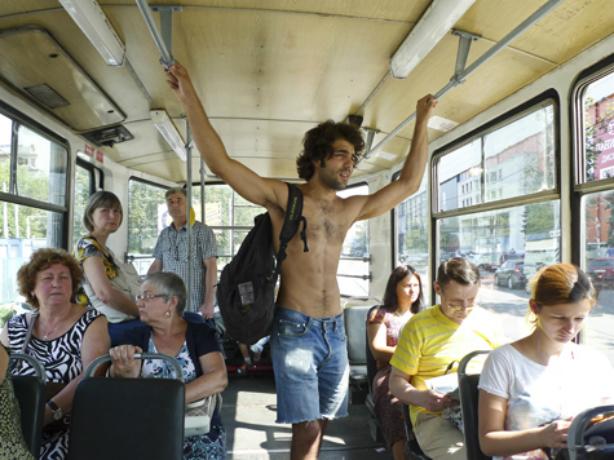Охлаждать людей в жарком автобусе обязали водителей Ростова