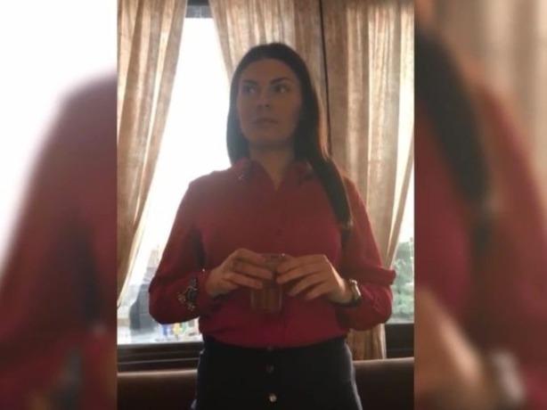 Сотрудница прокуратуры Ростова залпом выпила стакан и стала героиней соцсетей