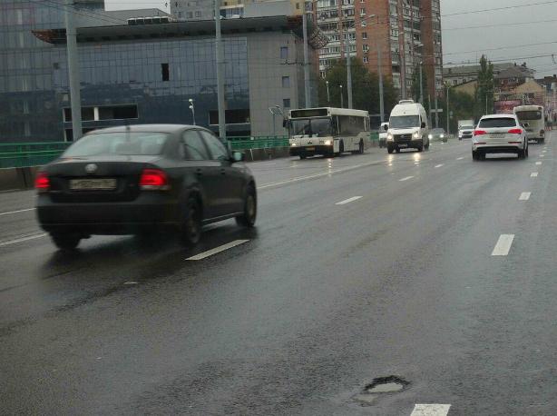 Мост на проспекте Стачки в Ростове уже начал разрушаться