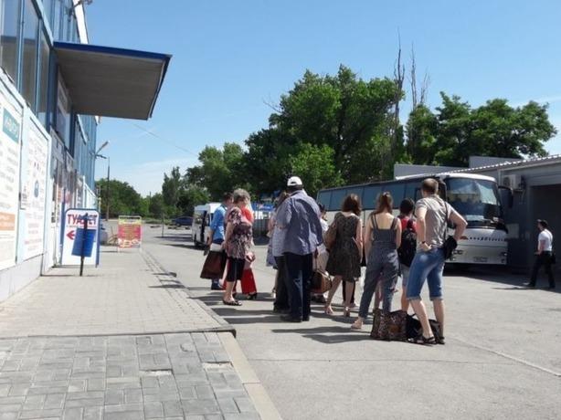 Директор автовокзала в Шахтах пообещал навести порядок в работе касс и продаже билетов