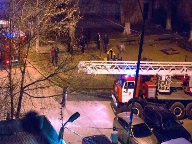 Свидетели пожара в Ростове: женщина истошно кричала, что в комнате остался грудной ребенок