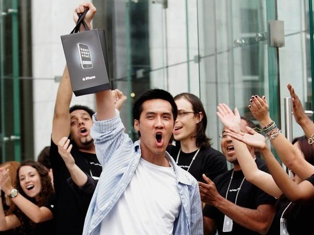 Понты дороже денег: ростовчане готовы заплатить до 200 тыс. рублей за новый iPhone раньше релиза