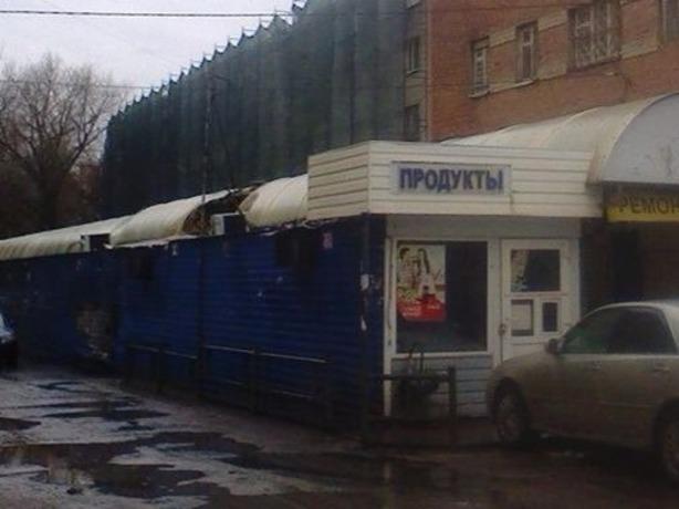 Работники рынка: ларьки на Комсомольской площади в Ростове взорвали умышленно