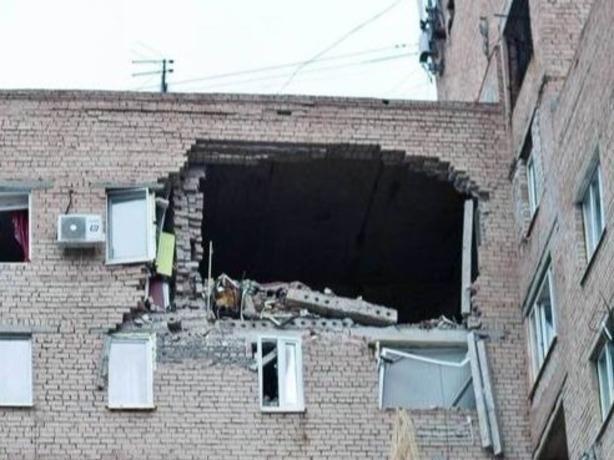 Взрыв газа прогремел в высотном многоэтажном здании вТаганроге, есть погибшие