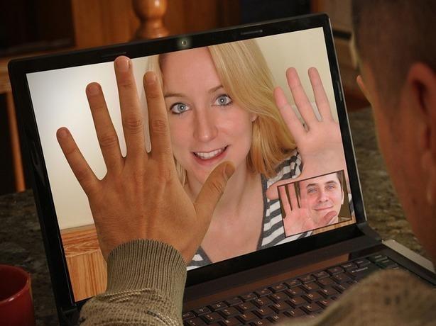 В Ростове задержали любительницу беспощадных «разводов» на сайтах знакомств