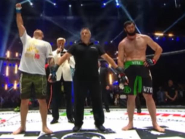 Ростовчанин Евгений Гончаров отправил в нокаут Зелимхана Умиева и стал чемпионом WFCA